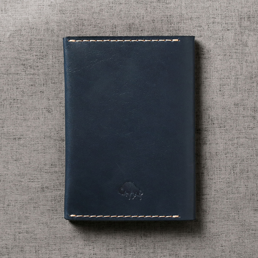 No.5 Passport Wallet - Navy